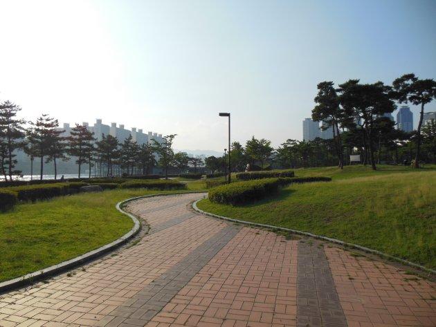 APECナル公園内の散策路(2016年6月撮影)