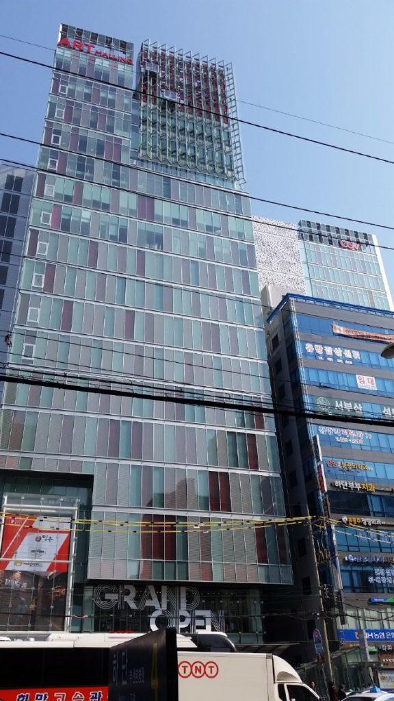 CGV下端アートモーリングが入っている商業ビルの外観2(2017年3月27日撮影)